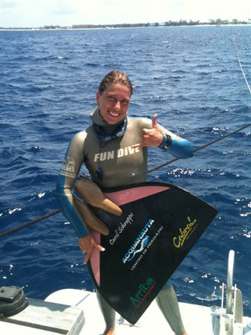Carolina Schrappe Dives to a New South American Record freediving  news freediving