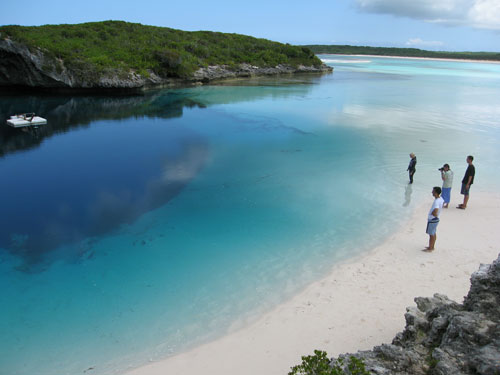 Dean Blue Hole - Photo: Peter Scott