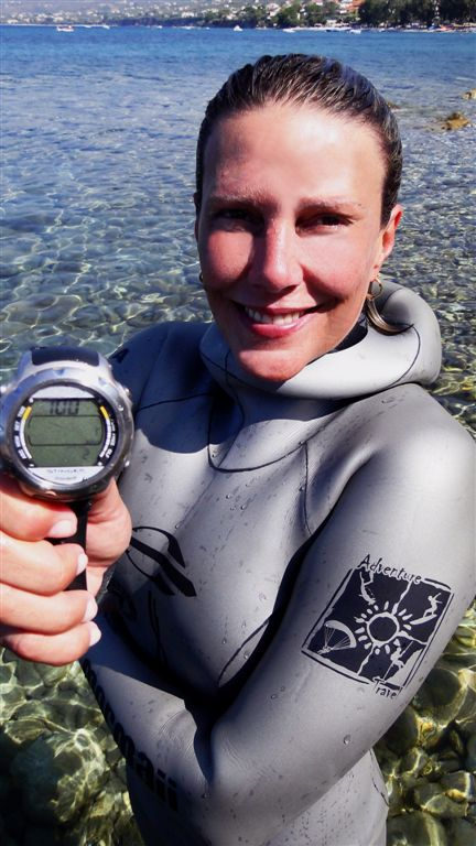 Karol Meyer sets National Record for Brazil free diving  news freediving