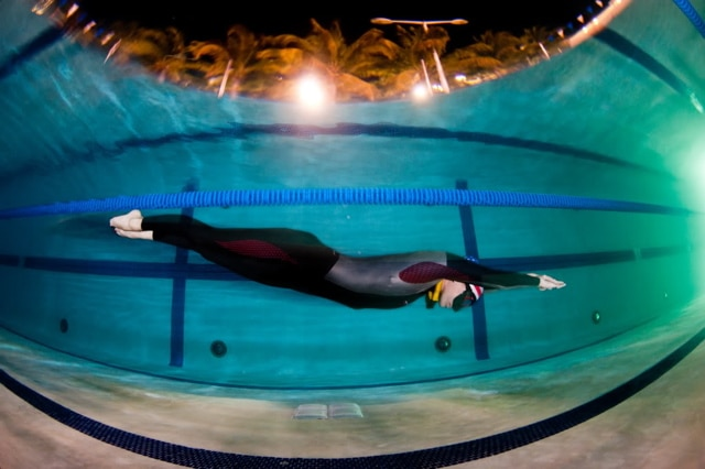 Jenna McGrath New USA Freediving Record freediving  USA freediving usa United States Apnea Associaton team USA performance freediving international Jenna McGrath freediving dynamic apnea DYN Deja Blue III AIDA
