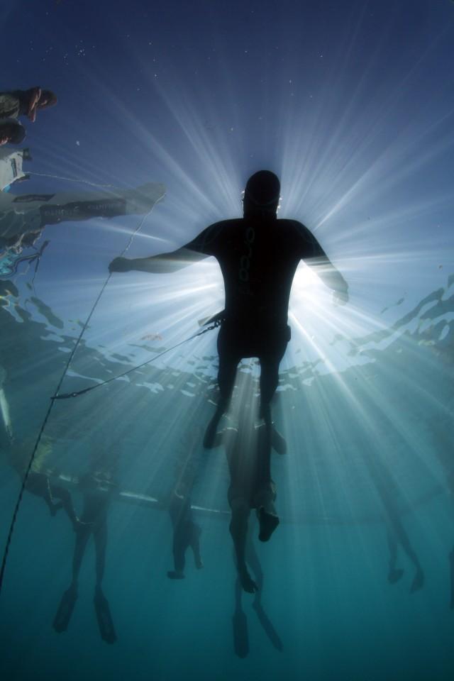 [VIDEO] Suunto Vertical Blue 2012 - a Beautiful World  1