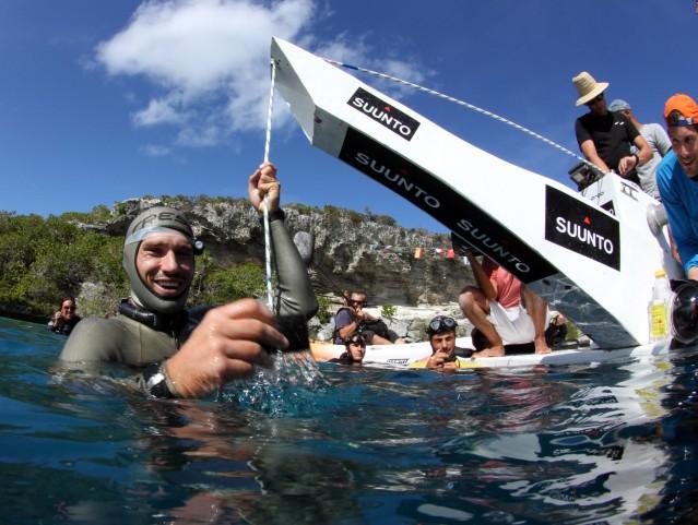 Guillaume Néry, World Champion Freediver Dedicates Dive to Loïc Leferme 3