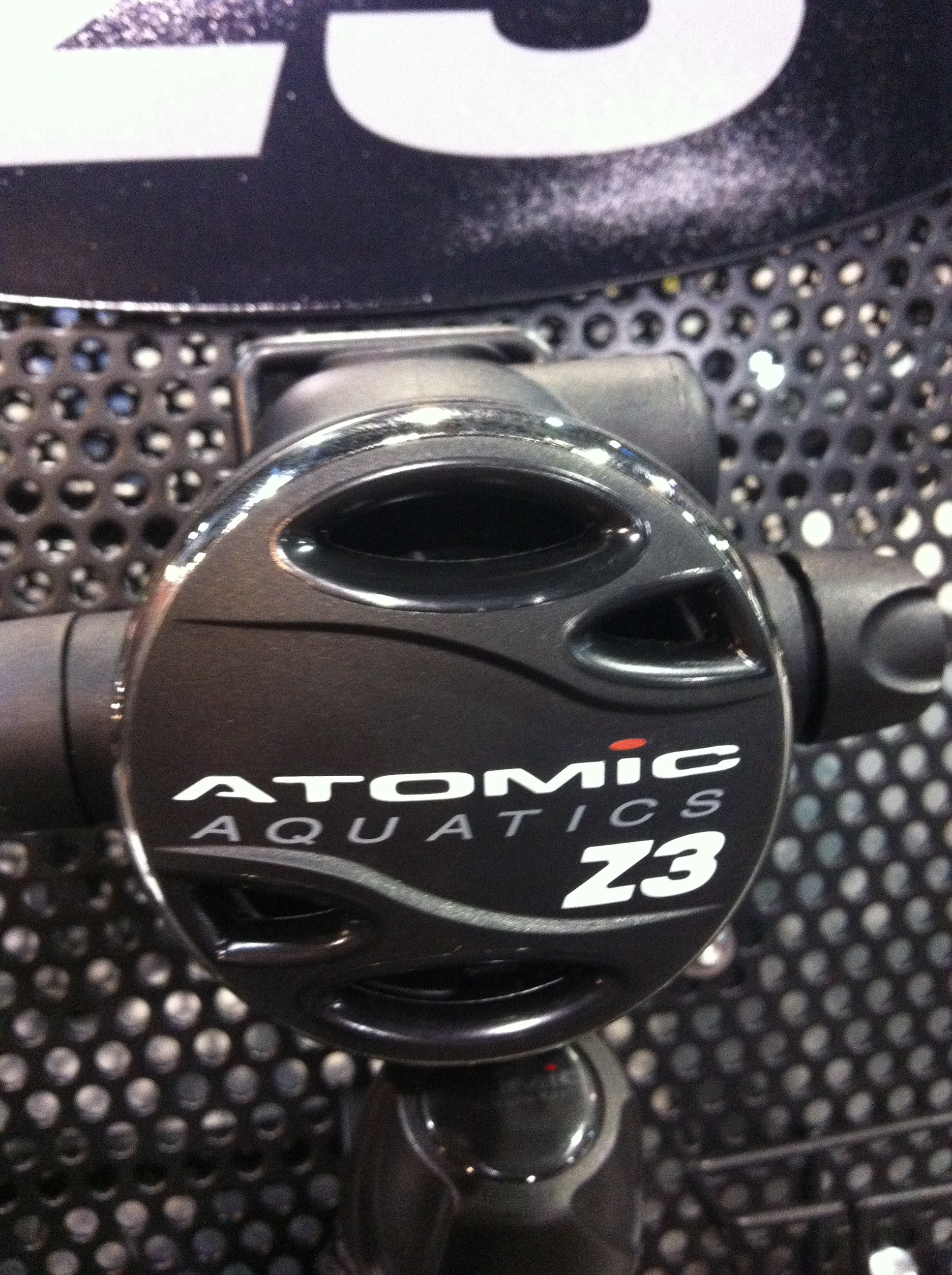DEMA Show 2012: Atomic Aquatics Unveils New Z3 Regulator For Budget Divers