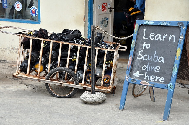 5 Tips for Traveling with Scuba Diving Gear 2