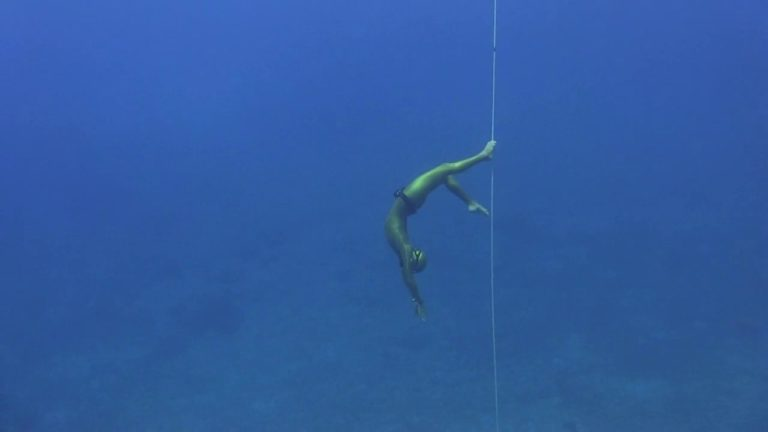 [VIDEO] Freediving – World's Away