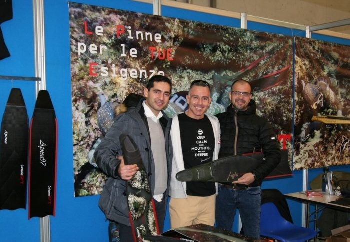 EUDI Show Francesco and Tony (holding new Alpha fin) of GFT and (in the middle) Andrea Zuccari, Italian apnea record variable