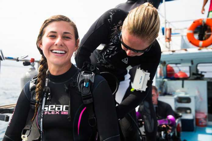 PAID Women's Dive Day