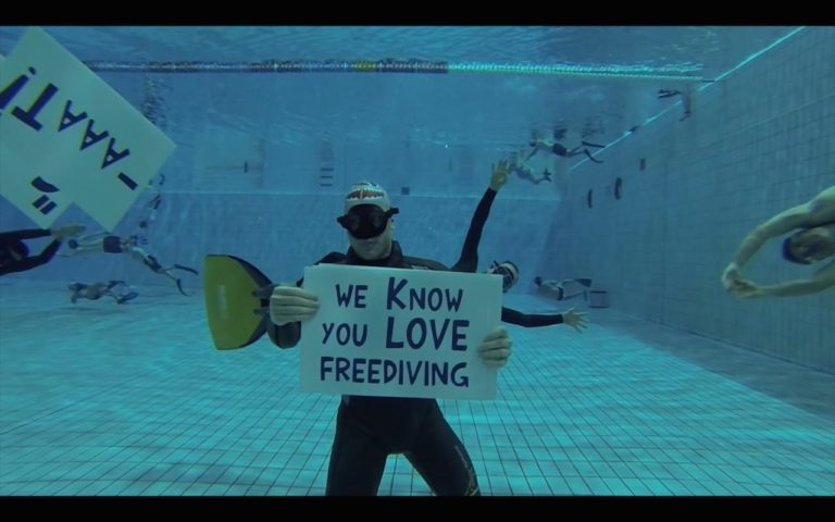 Freediving World Show Their Love For Australian Freediver Battling Cancer