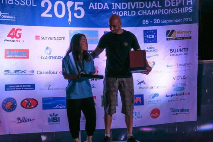 Sayuri Kinoshita and Goran Apnea Receiving Their