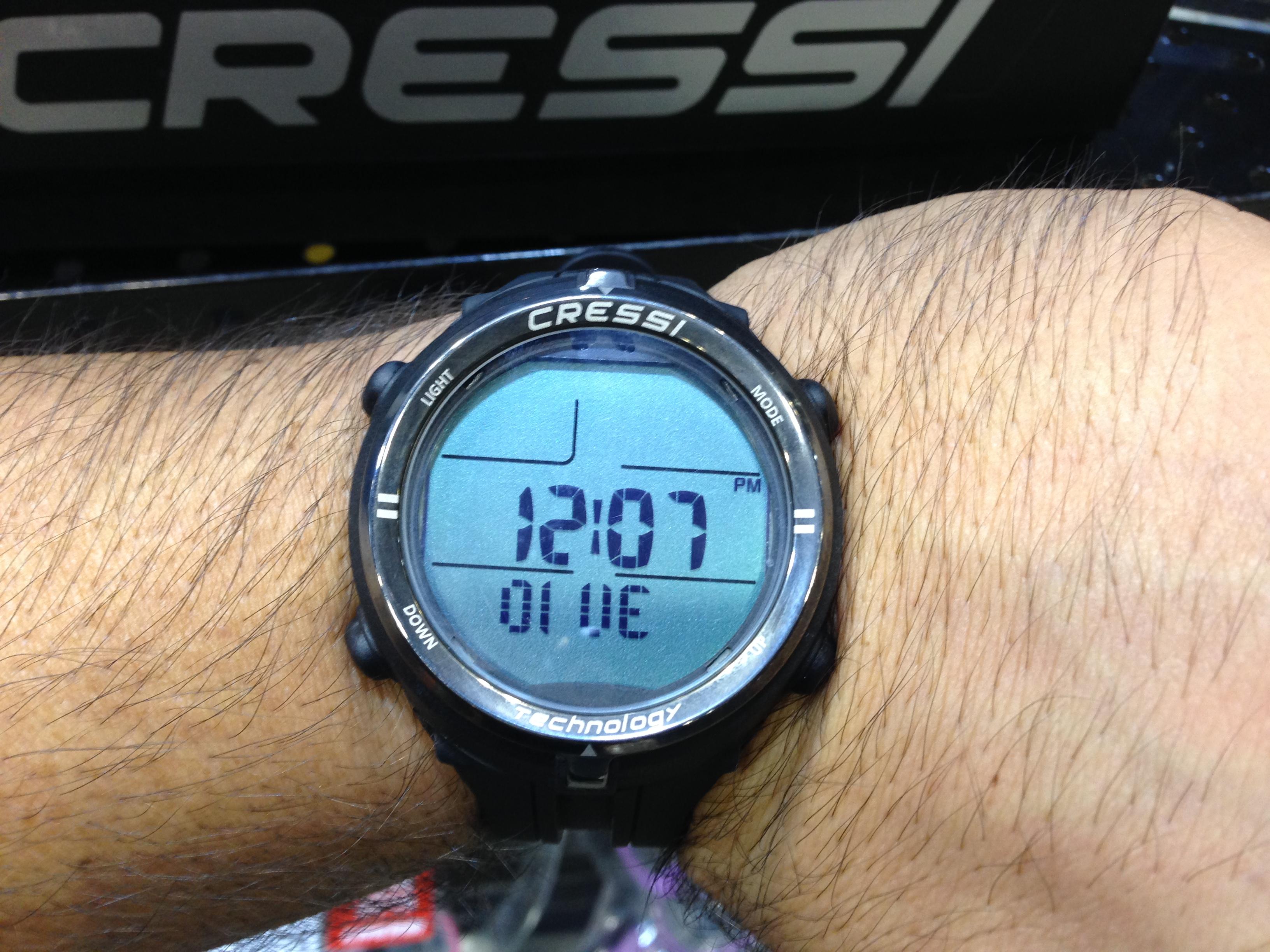 Cressi debuts new freediving wrist computer at dema show for Dive computer wrist