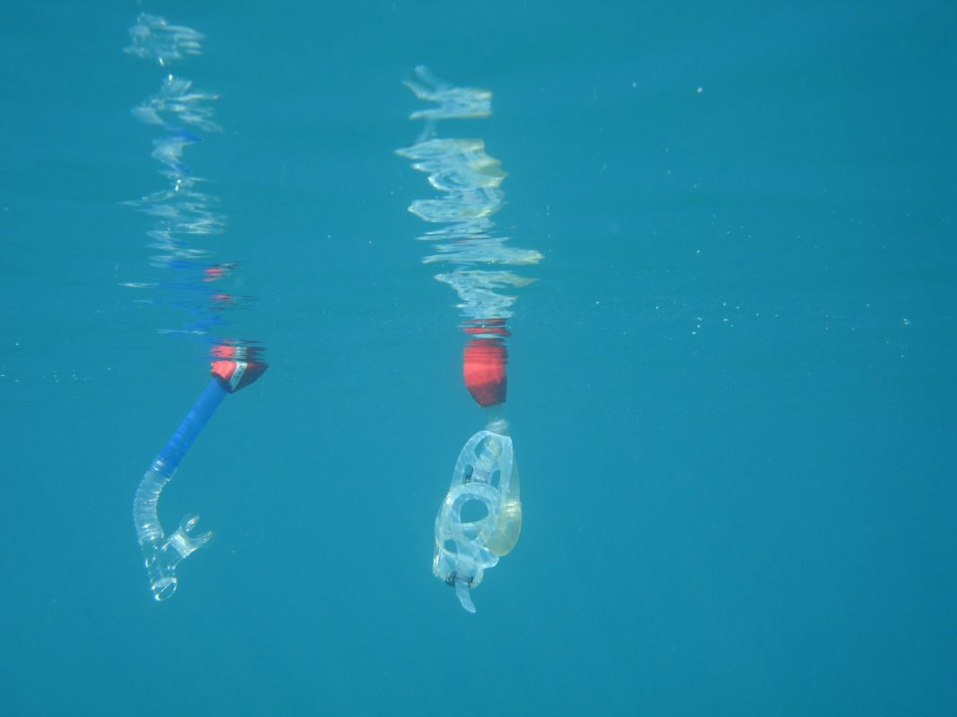 The new 'Snorkelbuoy' helps keep your mask, snorkel afloat (photo credit: Snorkelbuoy® - trademarked, patent pending)