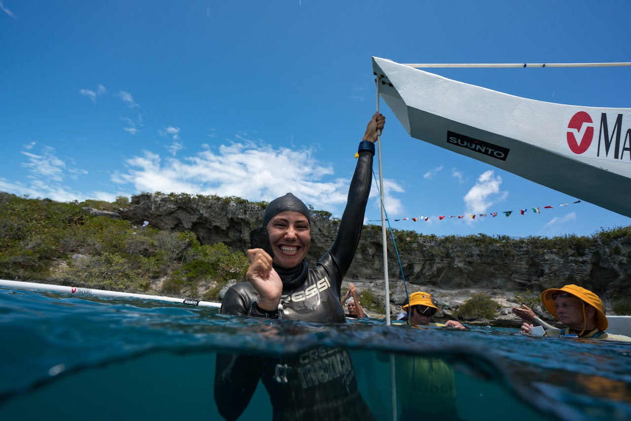 Marine biologist Estrella Navarro, dives for ocean conservation (photo by Daan Verhoeven)
