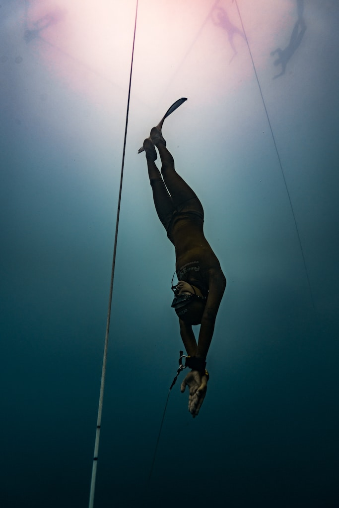 Great Kate relaxes into her dive (photo by Daan Verhoeven)