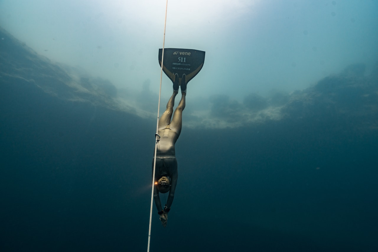 Tomoka Fukuda is one of very few people (in the whole world) who can dive below 90 meters