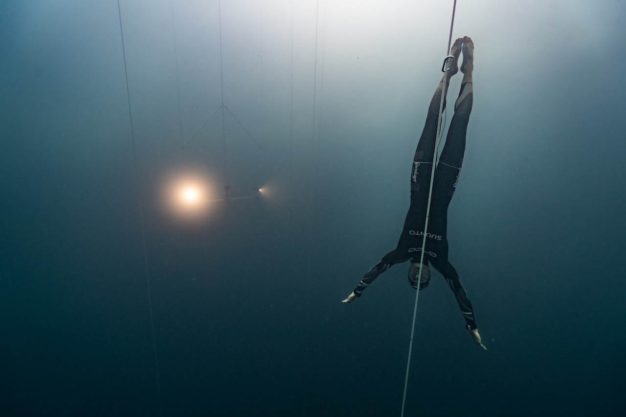 The X-Adventure Freetracker glides down to depth to accompany William to 90 meters (photo by Daan Verhoeven)