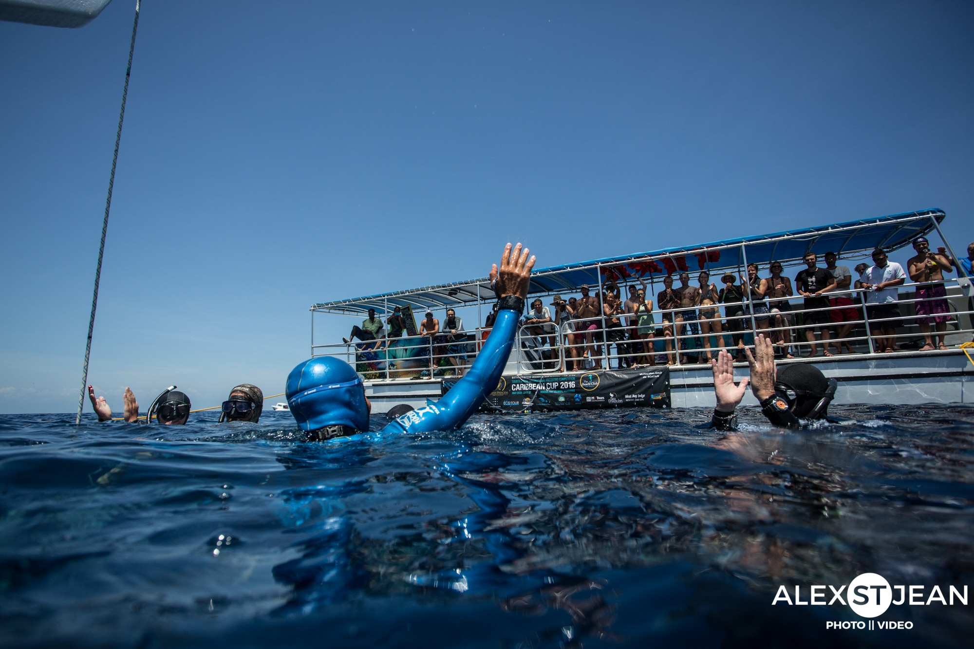Davide Carrera (ITA) waves to the throng of spectators after his national record dive to 106m CWT.