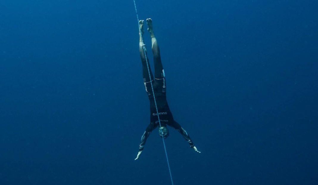 William Trubridge diving in Constant Weight No Fins (CNF) - Photo by Alex St Jean