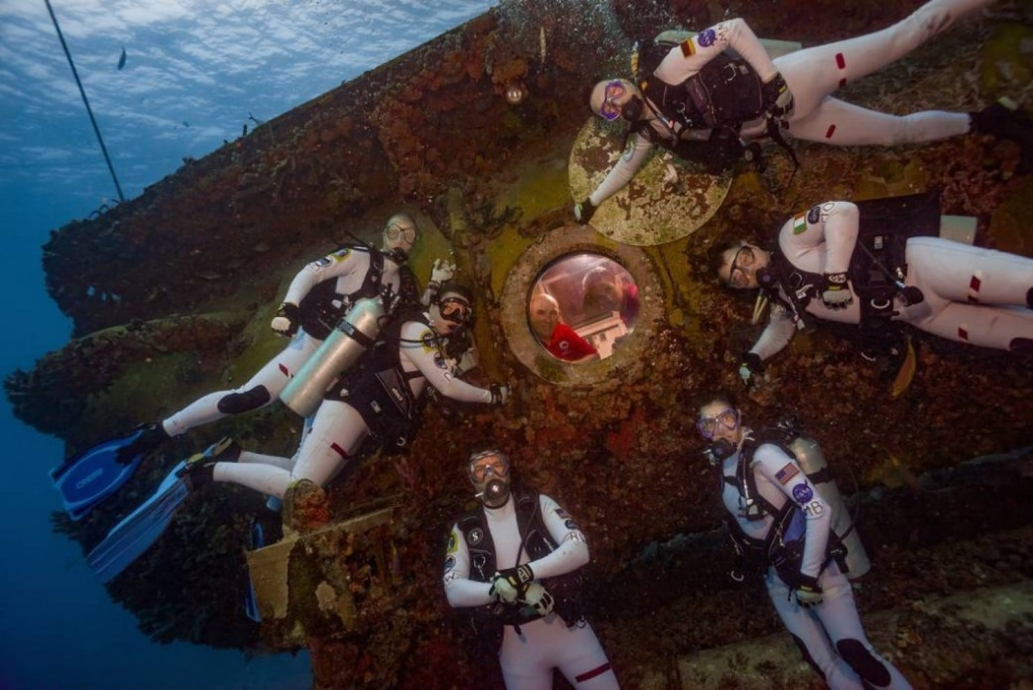 nasa underwater training - HD 1400×934