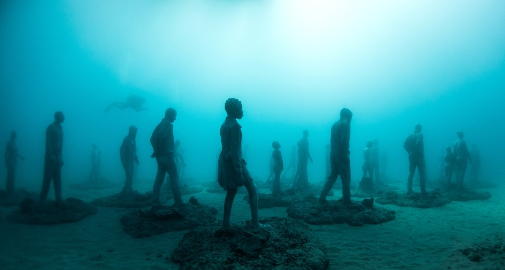 Rubicon Sculpture and photograph by Jason DeCaires Taylor