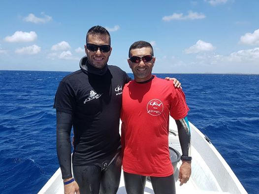 Deep man, Alfredo Roen (right) with dive buddy and compatriot, Elyoenai Aparicio Suárez.