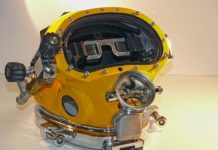 Navy Divers Testing A 'Heads-Up Display' Embedded Inside A Dive Helmet (Photo credit: U.S. Naval Surface Warfare Center/Katherine Mapp)