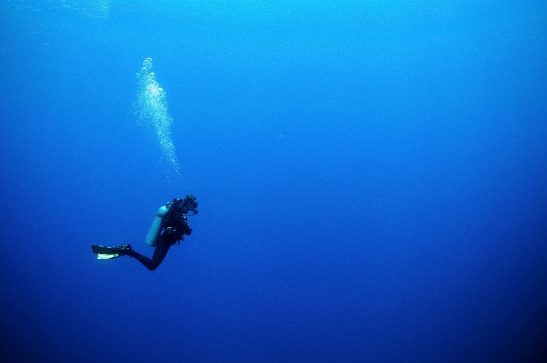 Solo Deep Scuba Diver