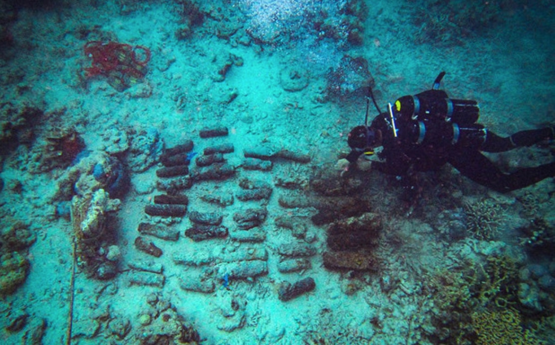 Kiwi Military Divers Help Clear WW2 Mines In South Pacific