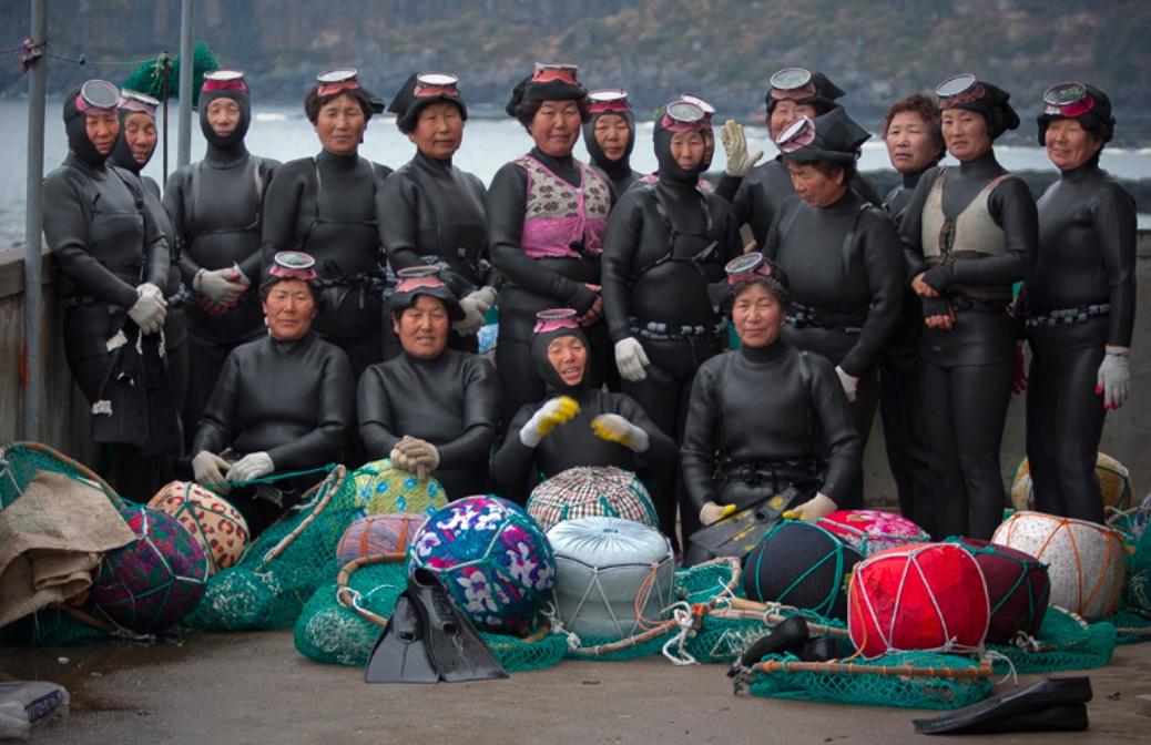 Korean 'Haenyo' Freedivers Could Get UNESCO Heritage Listing Soon (Photo credit: Oriolcasanovas.com)