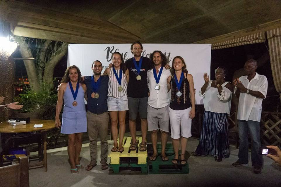 Winners (L to R) BRONZE: Rosibel Molina, Cuba & Adam Stern, AUS; GOLD: Sofia Gomez, COL & Nicolas Girardin, FRA; SILVER: JOnathan Sunnez, NZL & Sophie Jacquin, FRA; Jemma Lewis & Randy Bleau
