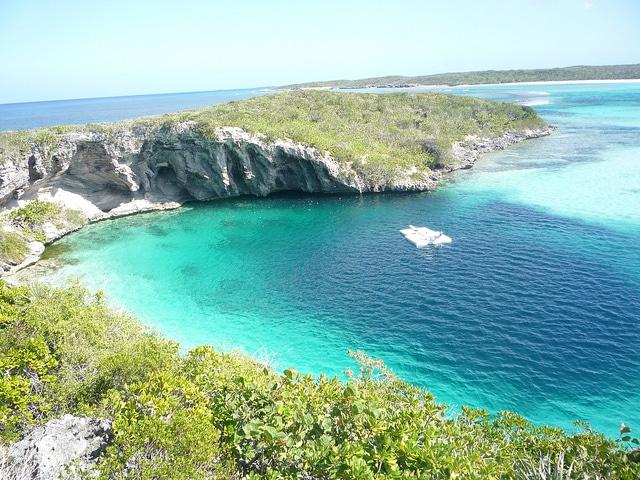 blue hole bahamas Dean's