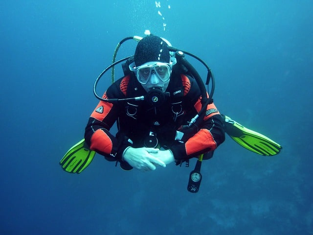 diver trim skill or behavior