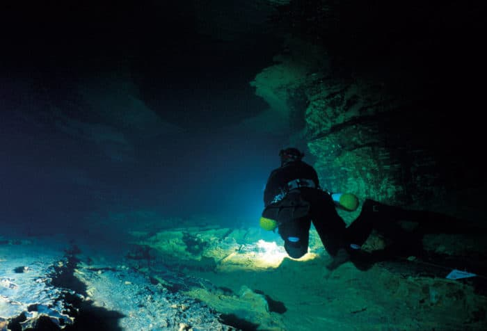 The Darkness Beckons - The Future Of Cave Diving