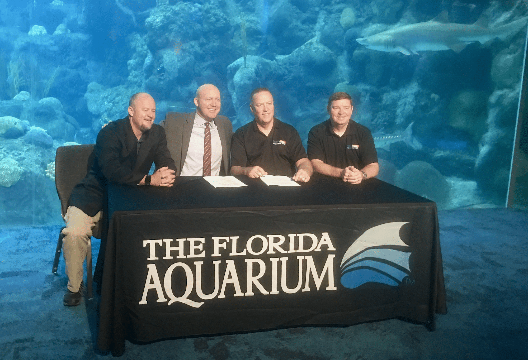 FLAQ+NAUI_sign an agreement of cooperation