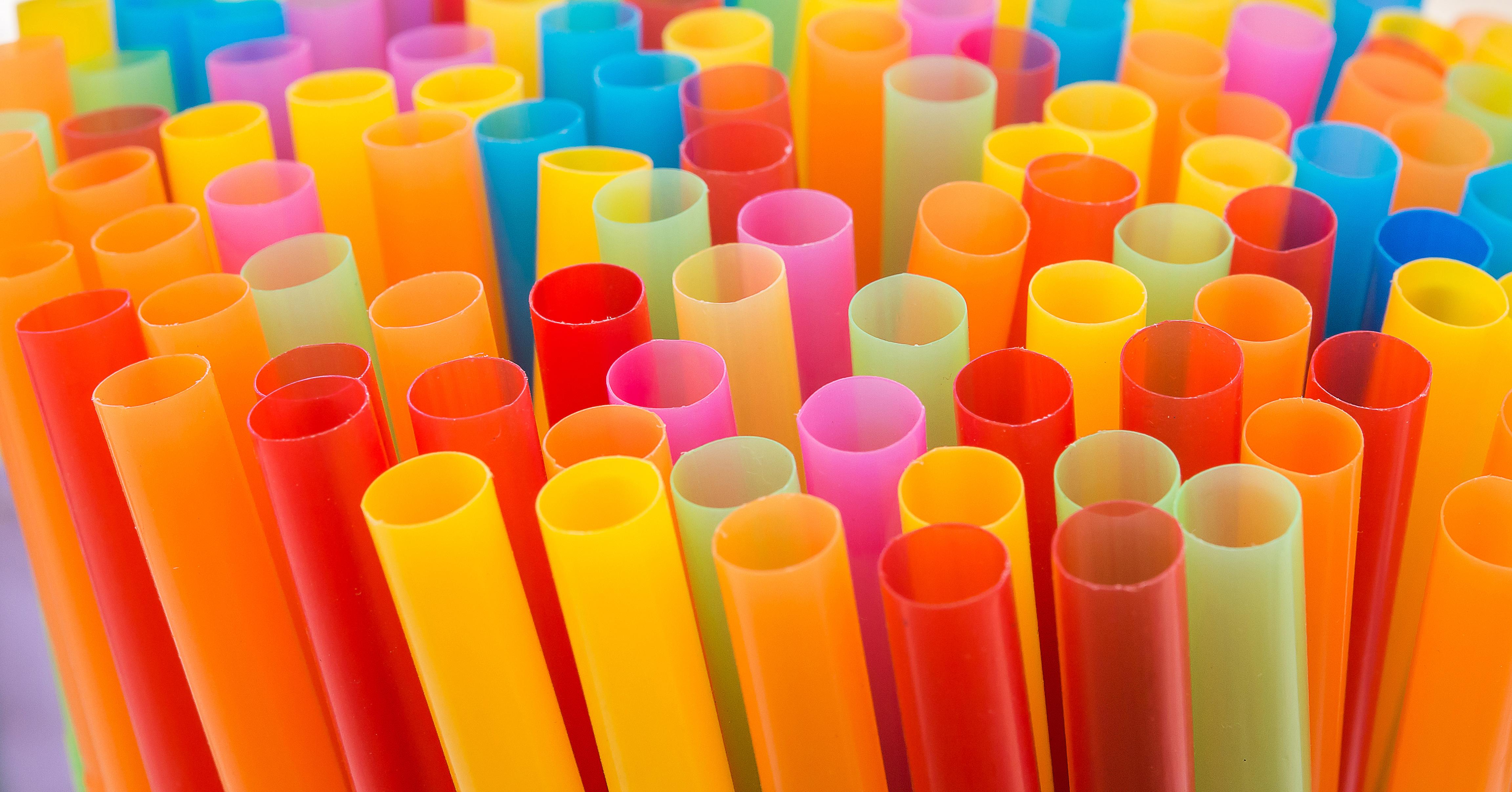 U K Pub Chain To Ban Plastic Straws Deeperblue Com