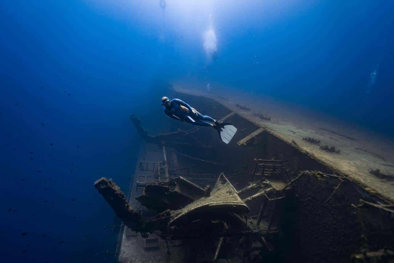 Exploring the Zenobia (photo by Daan Verhoeven)