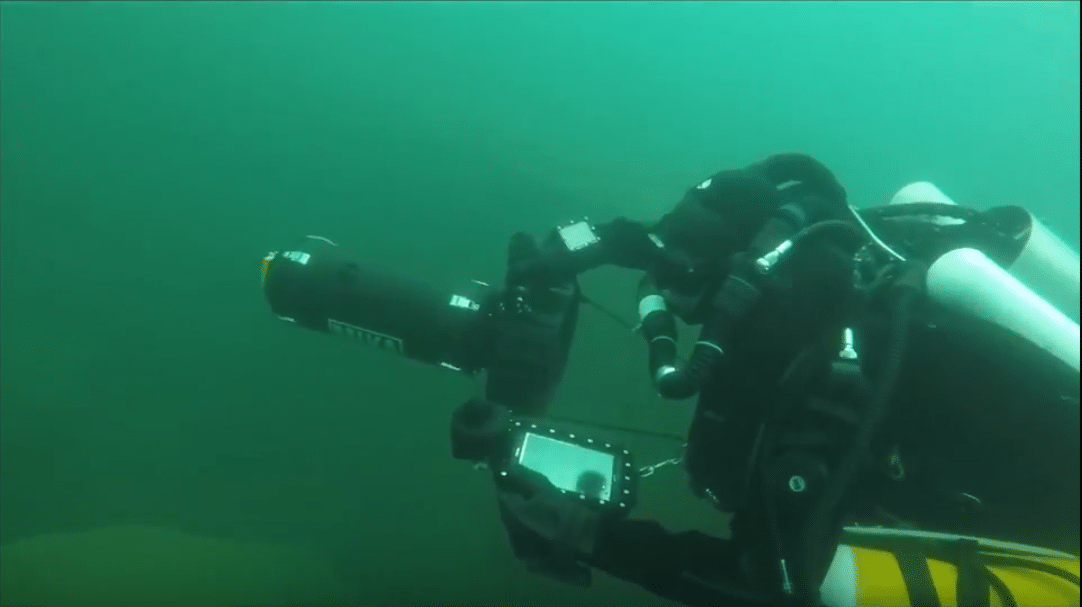 UWIS underwater navigation and communication