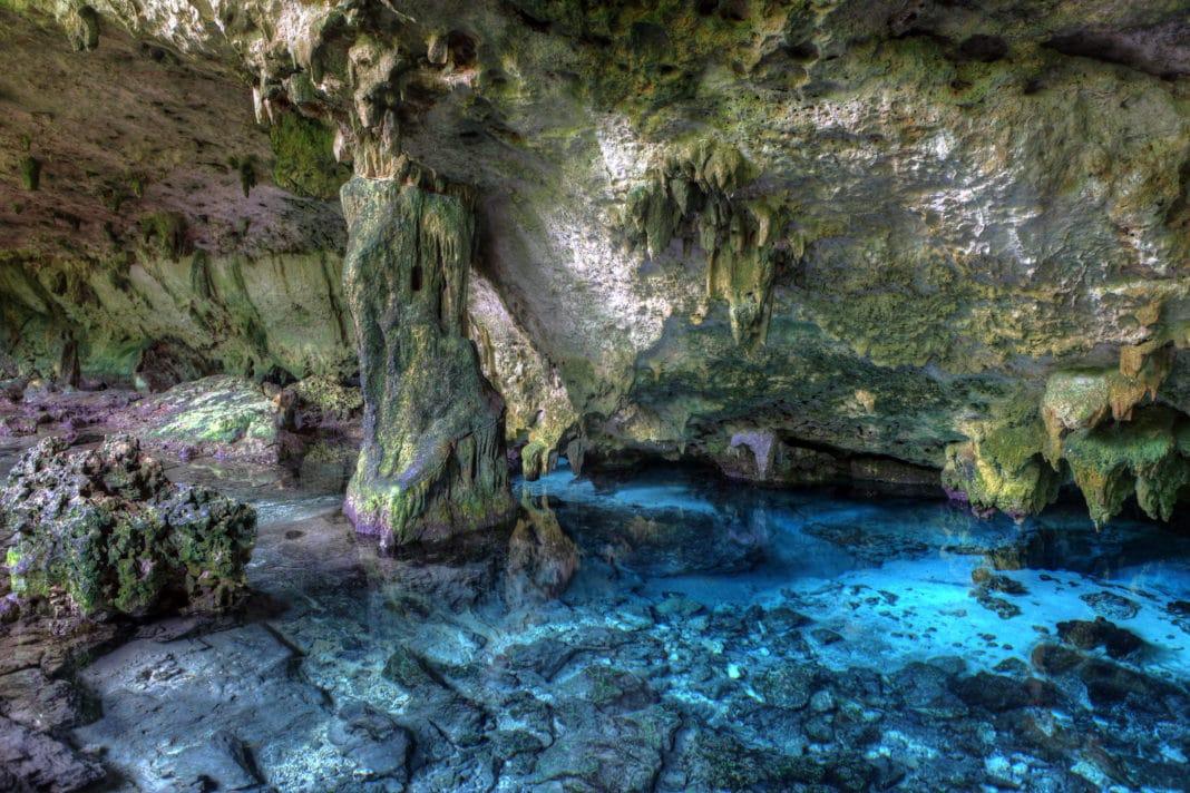 Cenote Dos Ojos - Mexico