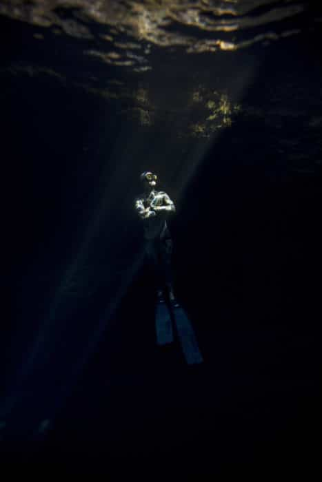 Kris Landers freediving in Florida. Photo by Daniel Tayenaka