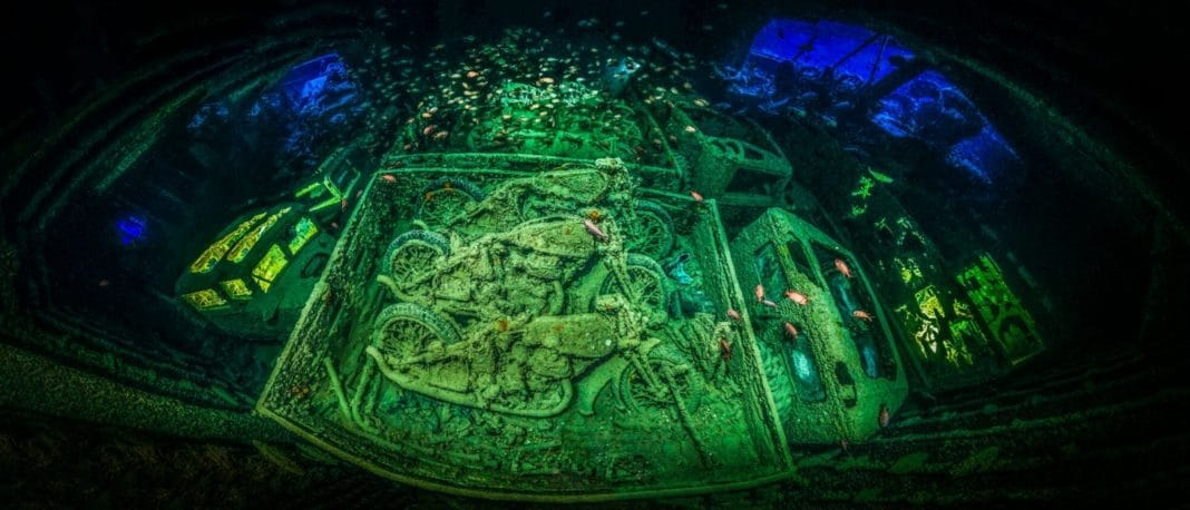 Shipwreck Panorama Earns Underwater Photographer Of The Year Award 2