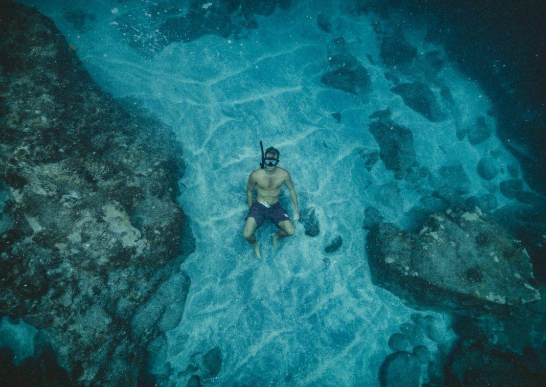 Recreational Freediver. Photo: https://pxhere.com/en/photo/1412270