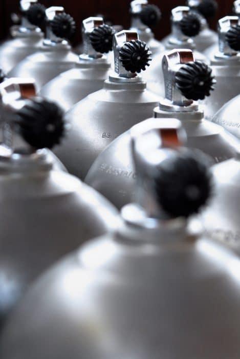 dive cylinders scuba tanks