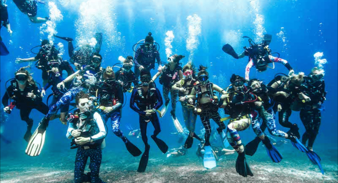 Girls That Scuba World Record Attempt