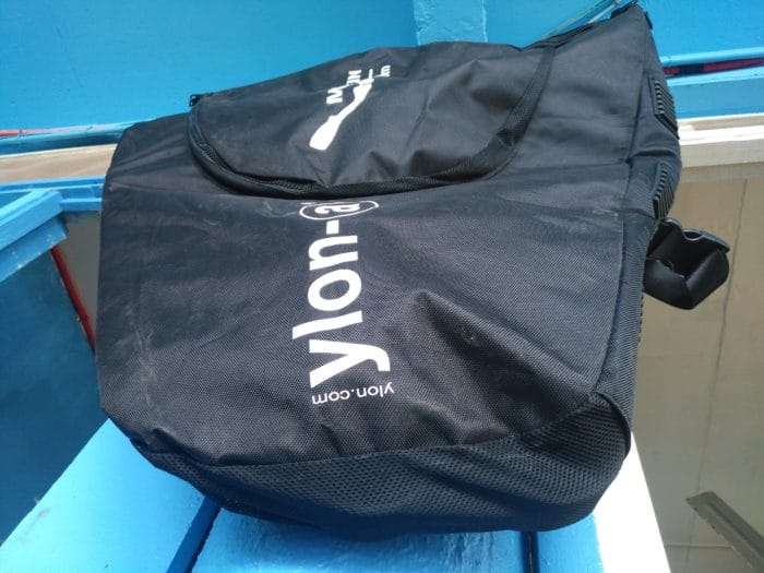 Ventilated lateral pockets of the monofin bag by ylon-a.