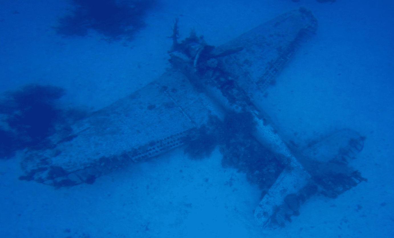 Diving on Kwajalein Atoll - A WW2 Airplane Graveyard