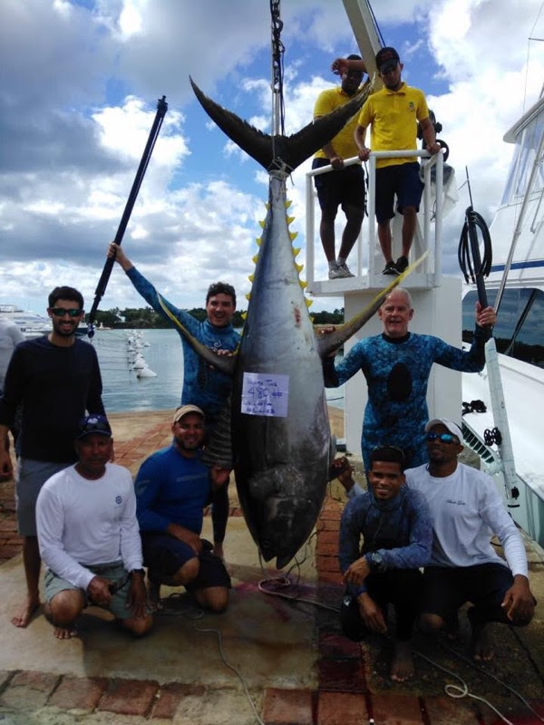 Team Neptonics Spearos Smash Tuna World Record