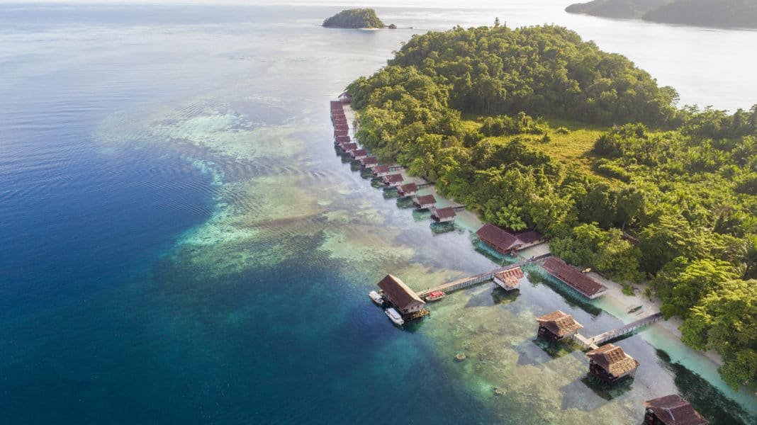 Dive the four pearls of Indonesia with Lotus Hotels and Gangga Divers