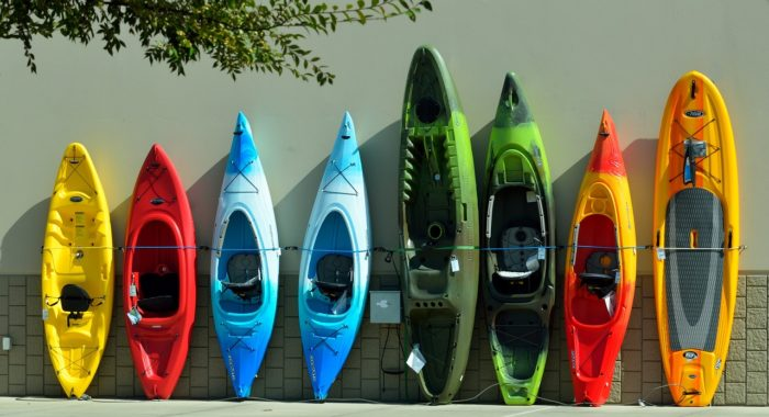 Different styles of Kayaks (Image Credit: Paul Brennan from Pixabay)