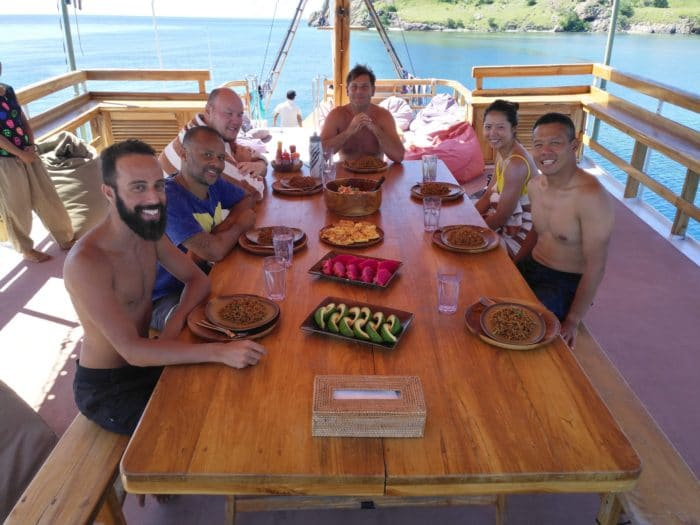 Freedivers enjoying lunch on the charter.