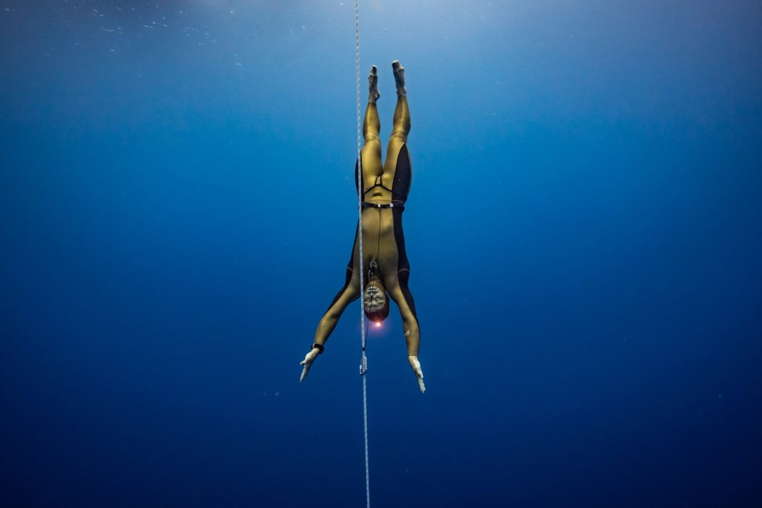 Alexey Molchanov of Russia setting a new CMAS World Record with an 85m Constant Weight No-Fins (CNF) dive
