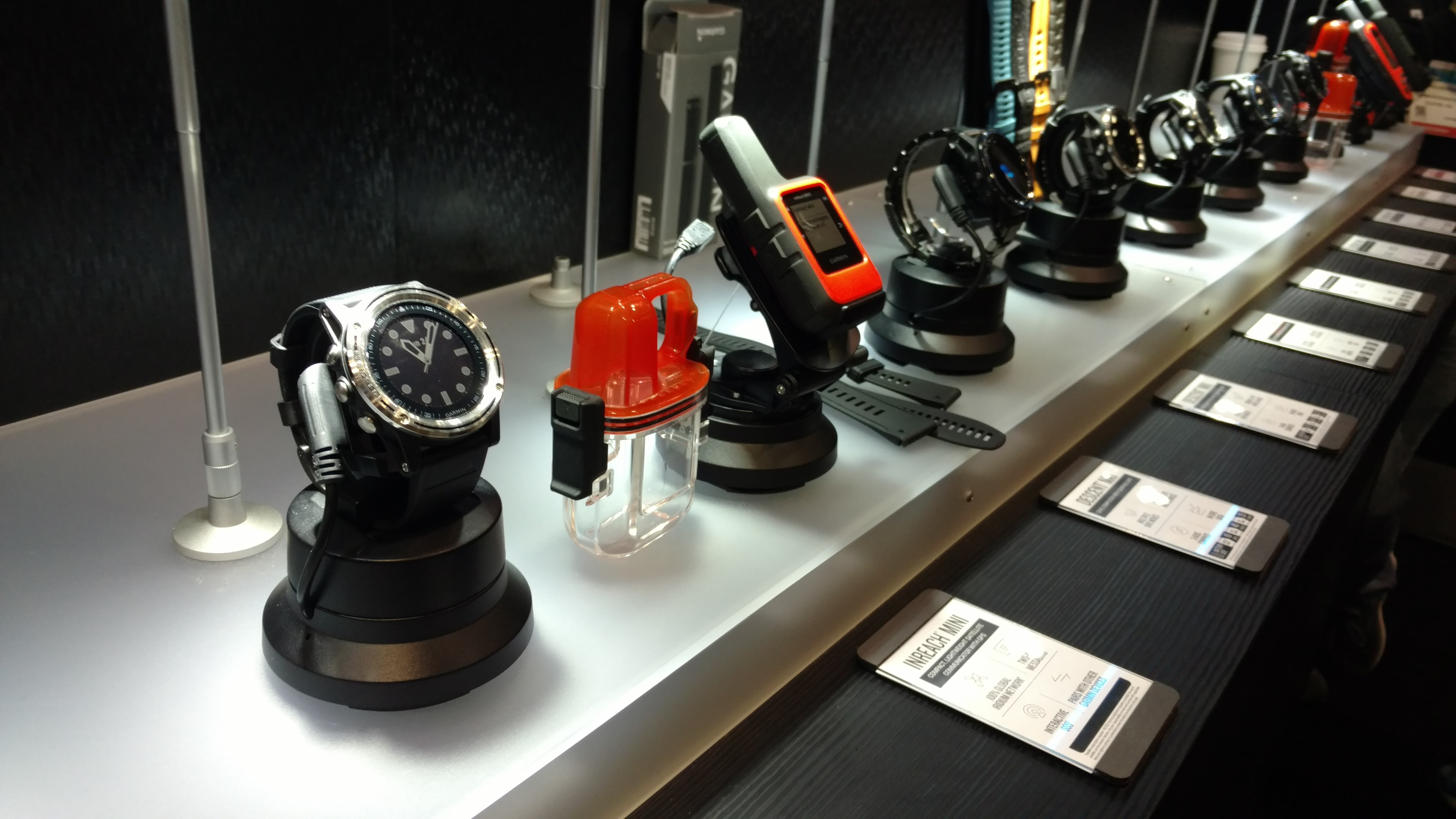 Garmin Descent Mk1 & inReach Mini at DEMA Show 2019